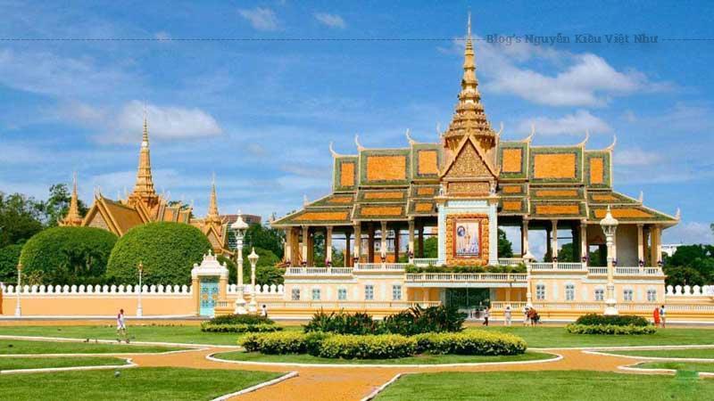 Kiến trúc vương cung Campuchia vô cùng đặc sắc và ấn tượng