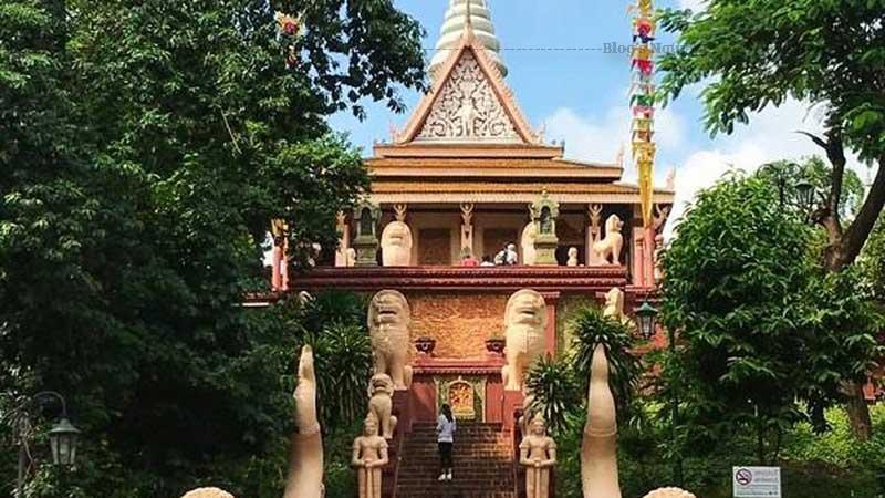 Hằng năm, chùa thu hút một lượng lớn khách hành hương từ mọi miền đất nước và là điểm tham quan không thể bỏ qua của du khách khi đến với du lịch Campuchia.