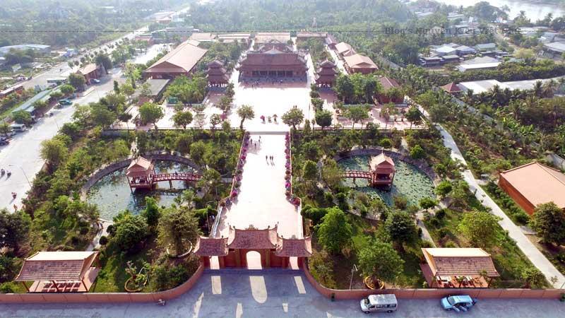 Dự án xây dựng thiền viện có tổng kinh phí là 145 triệu VNĐ từ quỹ từ thiện khắp nơi trên đất nước trong một chiến dịch được khởi xướng bởi Bộ trưởng Bộ quốc phòng, Tướng Phạm Văn Trà.