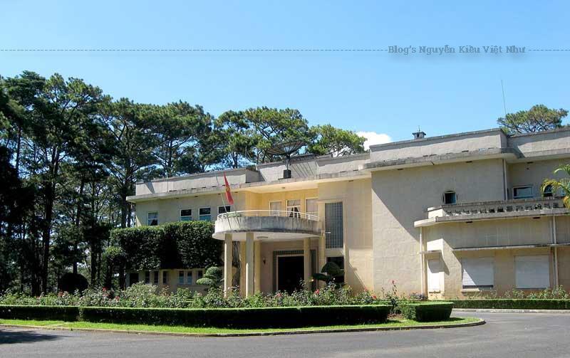 Thời kỳ Tổng thống Ngô Đình Diệm, Dinh II là nơi nghỉ mát của gia đình Ngô Đình Nhu và vợ là Trần Lệ Xuân.