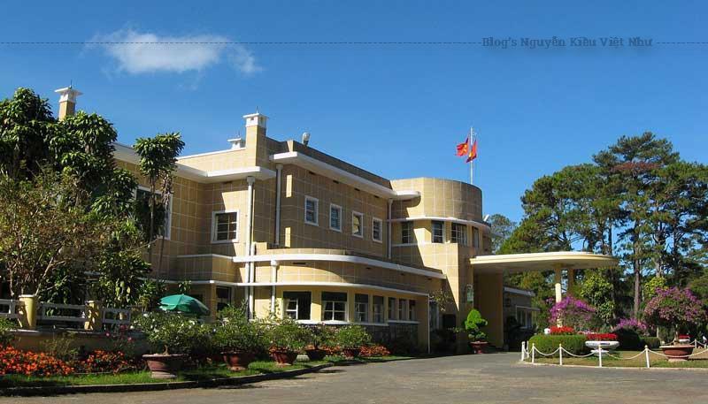 Dinh III, còn gọi là Dinh Bảo Đại, được xây trong khoảng từ năm 1933 đến 1938 là nơi gia đình vua Bảo Đại sinh sống và làm việc ở thành phố Đà Lạt.