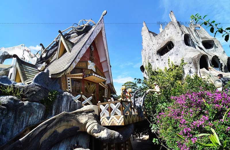 Biệt thự Hằng Nga Đà Lạt hay còn gọi là ngôi nhà điên ở đà lạt.