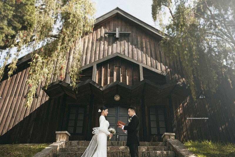 Bộ ảnh cưới chụp tại Đà Lạt của Phan Mạnh Quỳnh và Khánh Vy được chụp tại đây.