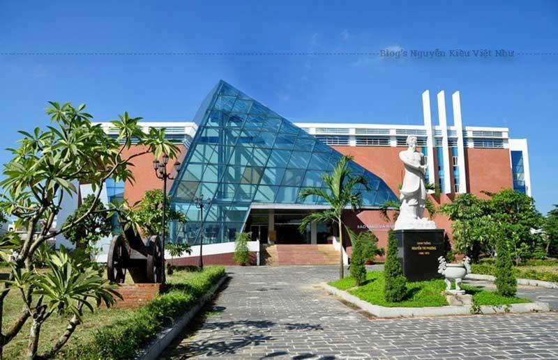 Bảo tàng Đà Nẵng hiện nay tọa lạc trong khuôn viên Di tích lịch sử quốc gia đặc biệt thành Điện Hải, được khởi công xây dựng từ năm 2005 và đưa vào hoạt động đón khách tham quan từ năm 2011.