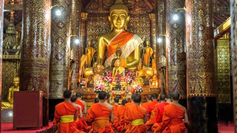 Khi du lịch Lào, đế Wat Xieng Thong, du khách sẽ thấy một cảnh quan tuyệt mỹ ... Wat Xieng Thong là ngôi chùa cổ và quan trọng nhất của Lào.
