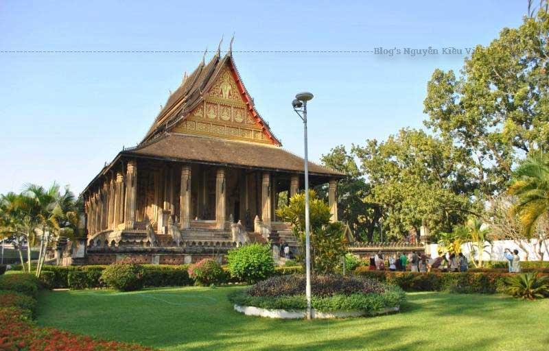 Tọa lạc tại thủ đô Viêng Chăn của Lào, ngôi chùa Wat Sisaket được du khách trong và ngoài nước biết tới là nơi có nhiều tượng phật cổ và quý bậc nhất.