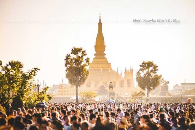 Ðặt chân tới Vientiane nhất định bạn phải tới That Luang.