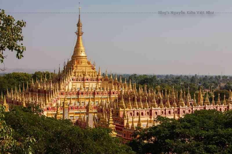 Maha Bodhi Ta Htaung là một tu viện và vùng Phật giáo nổi tiếng nằm ở thị trấn Monywa.