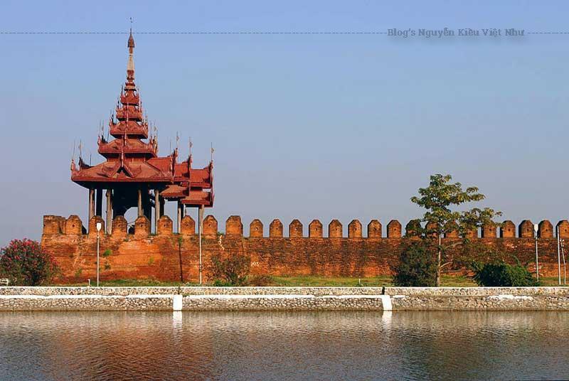 Cung điện Mandalay vẫn là niềm tự hào của người dân