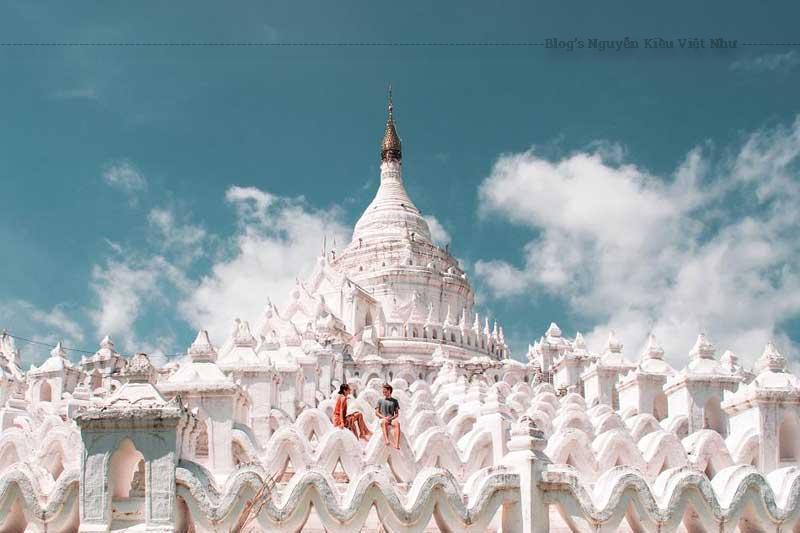 Góc chụp ảnh toàn cảnh chùa Hsinbyume được du khách yêu thích.