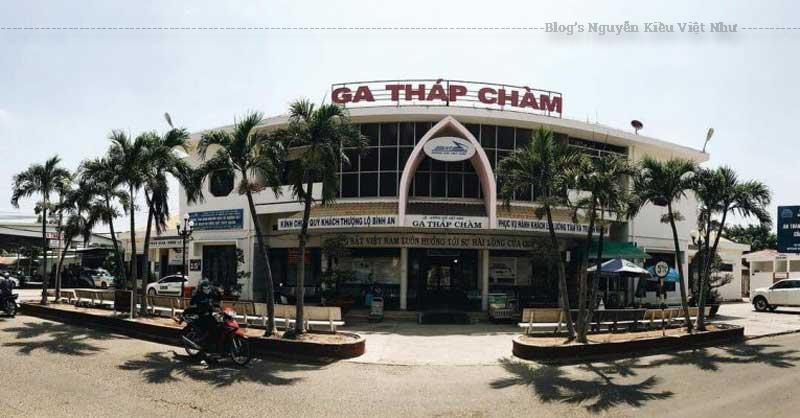 Sau khi tuyến lên Đà Lạt bị gỡ bỏ, ga Tháp Chàm chỉ còn phục vụ cho Đường sắt Bắc Nam.