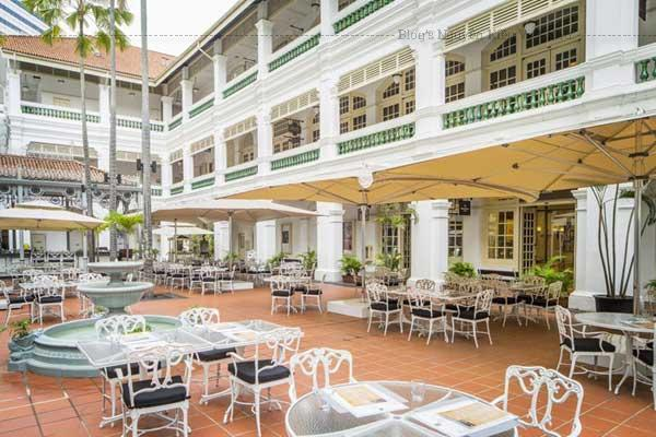Raffles Hotel Singapore là nơi của Singapore đã đón tiếp những vị Chủ tịch, các vị vua, hoàng hậu, và ngôi sao Hollywood từ năm 1887.