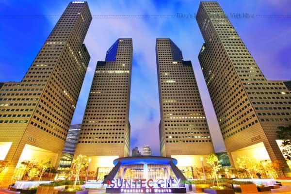 """Đây là trung tâm thương mại lớn nhất Singapore và được mệnh danh là """"tòa nhà phong thủy""""."""