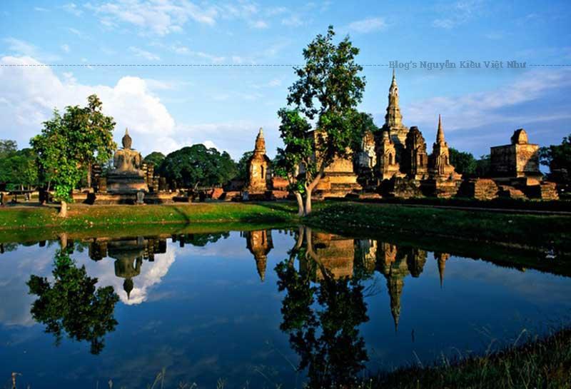 Công viên này hàng năm vẫn đón hàng nghìn khách thăm quan du lịch. Sukhothai2. Si Satchanalai là một thị trấn cực kỳ quan trọng trong thời kỳ Sukhothai.
