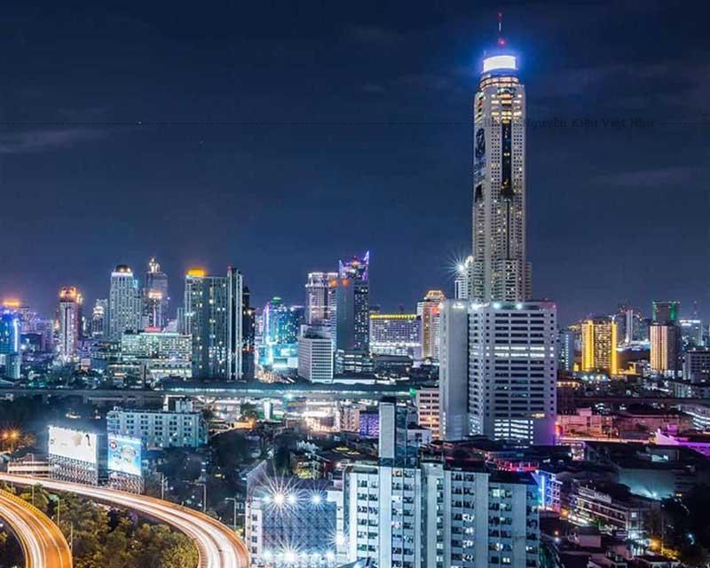 Tháp Baiyoke II cũng là nơi tọa lạc của khách sạn bốn sao Baiyoke Sky Hotel, một trong những khách sạn cao nhất ở Bangkok.