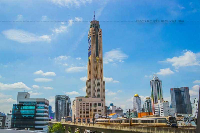 Tham quan tòa nhà Baiyoke Sky là một trong những trải nghiệm nhất định phải thử khi tới Thái Lan.