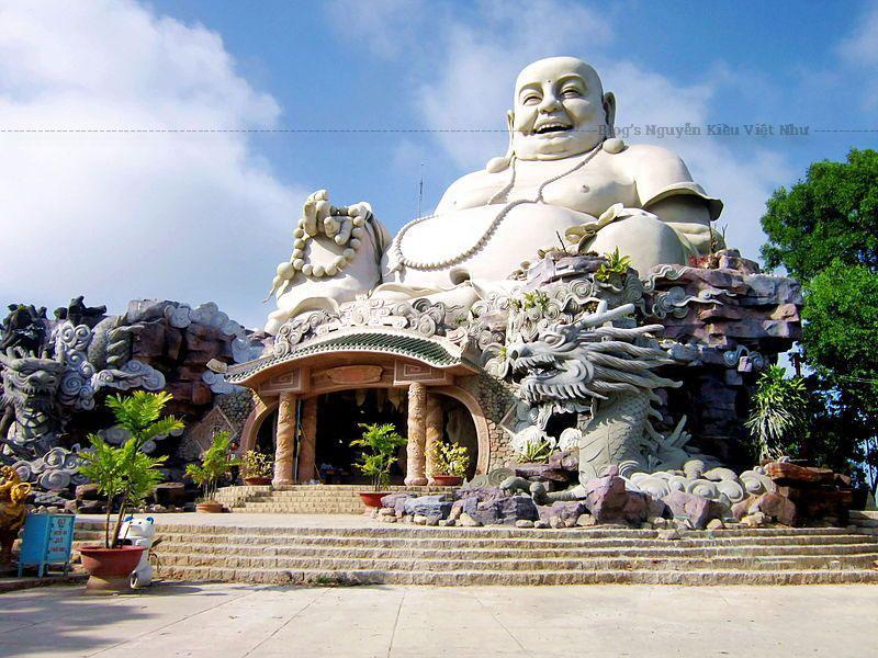 Hiện nay (tháng 7 năm 2008), chùa Phật Lớn đang được tôn tạo lại trên nền cũ, và mở rộng diện tích lên đến 13,6 ha, gồm khu chánh điện, nhà chuông, khu nhà nghỉ, hệ thống điện, nước... để phục vụ cho việc thờ cúng và cho khách đến hành hương hay vãng cảnh.