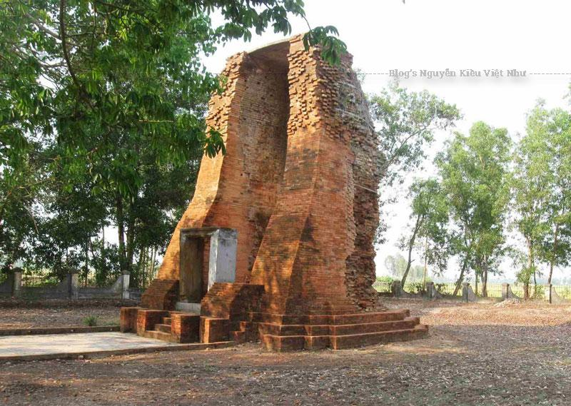 Năm 2011, di tích tháp Vĩnh Hưng được trùng tu tôn tạo gồm các hạng mục: nhà trưng bày, nhà bia, nhà bảo vệ, hàng rào và một số hạng mục khác nhằm bảo tồn và phát huy giá trị của di tích.