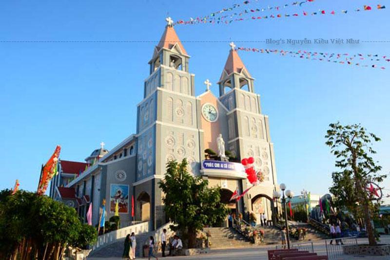 Xin tri ân Chúa đã luôn đồng hành và ban muôn phước lành trên Họ đạo Cà Mau chúng con trong suốt 90 năm qua, đặc biệt trong suốt thời gian xây dựng nhà thờ và nhà sinh hoạt.