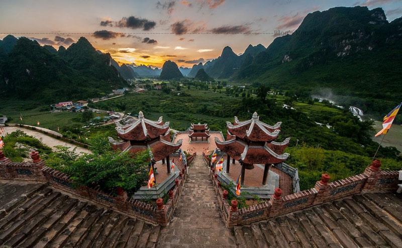Việc xây dựng chùa Phật Tích Trúc Lâm Bản Giốc ngay giữa vùng biên cương cũng mang ý nghĩa rất lớn đối với sự phát triển kinh tế của vùng.