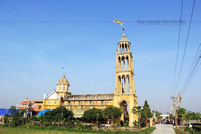 Vào năm 1910, Cha Bardol Cảnh đã thiết lập họ đạo mang tên Cao Bình, cách sông Bằng Giang khoảng 9 cây số. Đây là cơ sở bước đầu cho công cuộc truyền giáo nơi đây.