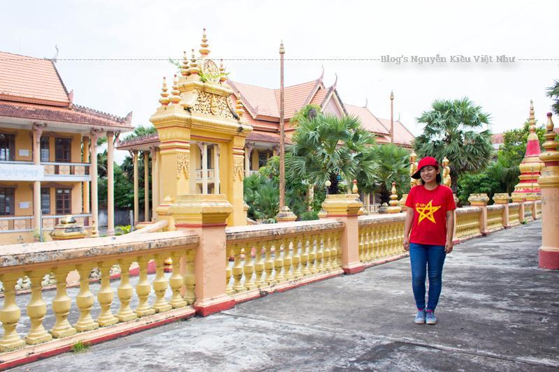 Sóc Trăng cuốn hút với Chợ nổi Ngã Năm, vườn cò Tân Long thơ mộng, những ngôi chùa lớn Sà Lôn, Đất Sét, Kh'lieng và chùa Dơi với đặc trưng kiến trúc.
