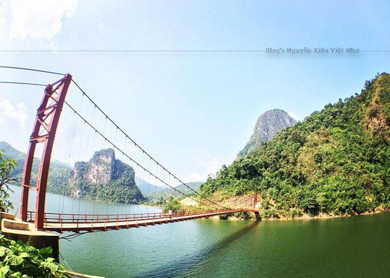 Hiện nay, cây cầu đã trở thành đầu mối giao thông trọng điểm giữa Lai Châu và Điện Biên, cũng như là niềm tự hào của người dân Tây Bắc. Nếu có dịp du lịch Điện Biên ghé thăm Mường Lay bạn hãy dành thời gian khám phá cây cầu nổi tiếng này.
