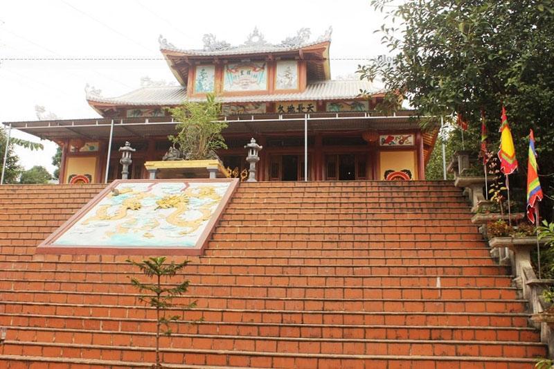 Về sau qua thời gian, ngôi đền xuống cấp được người dân nơi đây xây dựng và tu sửa lại và trở thành điểm du lịch tâm linh ngày nay.