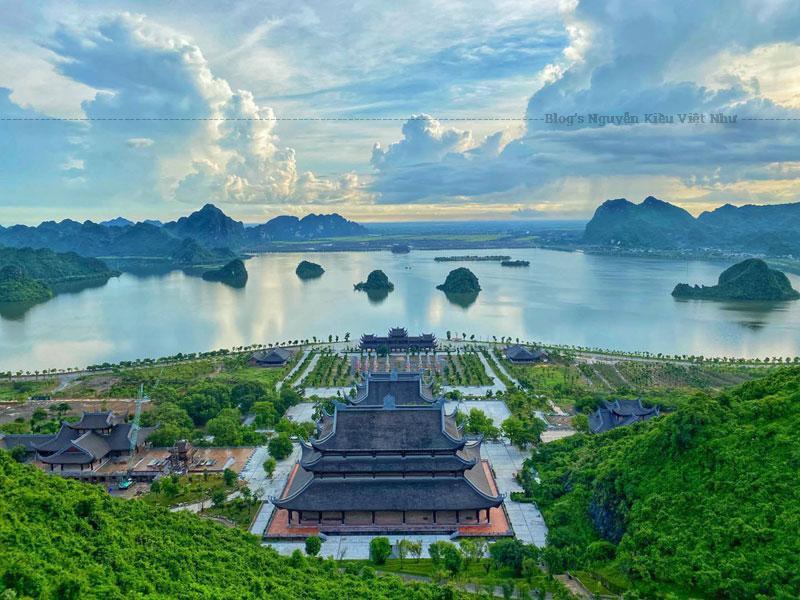 Hà Nam là vùng chiêm trũng cửa ngõ phía Nam của thủ đô Hà Nội với khí hậu dễ chịu, thiên nhiên ưu ái.