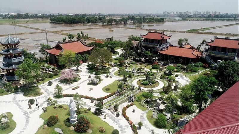 Tọa lạc tại thôn Dư Dân, xã Thanh Phong, huyện Thanh Liêm, tỉnh Hà Nam, chùa Phật Quang vẫn đang trong thời gian xây dựng.