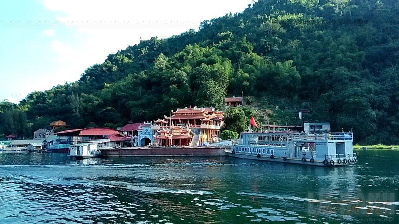 Năm 2009, Động Thác Bờ đã được Bộ Văn hoá - thể thao và du lịch công nhận là di tích danh thắng quốc gia. Với cảnh quan tuyệt đẹp quần thể du lịch hồ Hoà Bình sẽ ngày cành thu hút đông đảo du khách tới thưởng ngoạn.