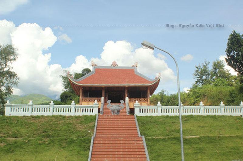 Trước năm 2004, đền thờ Nàng Han thuộc bản Tây An xã Mường So và bản Phai Cát xã Khổng Lào trong địa phận huyện Tam Đường tỉnh Lai Châu.