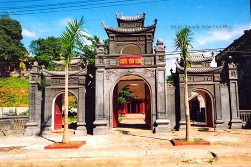 Trước năm 1950, chùa ở thôn Tân Bảo nên thường được gọi là chùa Tân Bảo. Sau năm 1950, chùa ở trên đường Lê Lợi, nên thường được gọi là chùa Lê Lợi. Chùa được trùng tu nhiều lần. Đến năm 1979, chùa bị hư hỏng hoàn toàn.