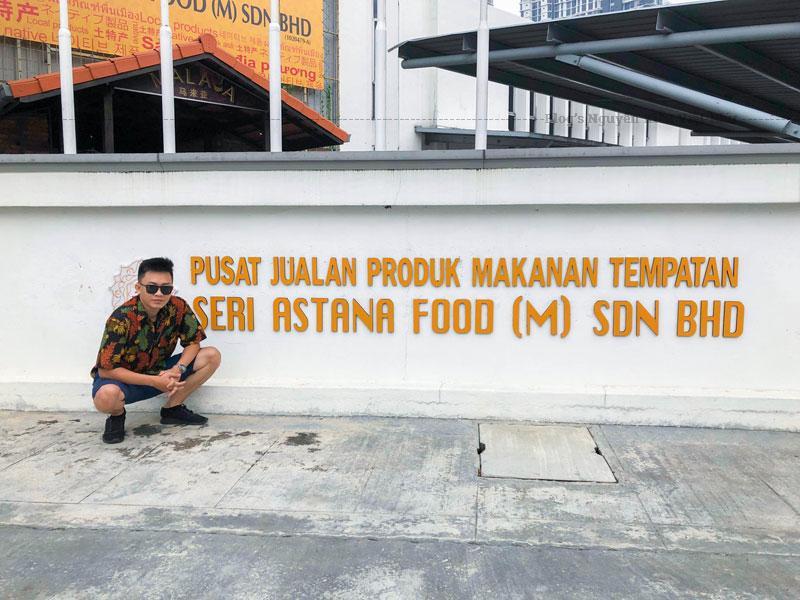 Ẩm thực của Malaysia phản ánh đặc điểm đa dân tộc của quốc gia. Nhiều nền văn hóa đến từ bên trong quốc gia và các khu vực xung quanh có ảnh hưởng lớn đến với ẩm thực Malaysia.