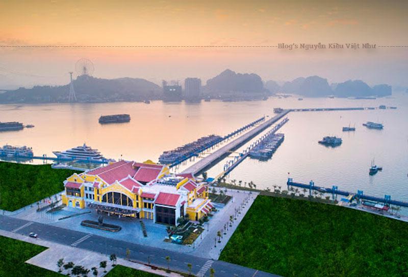 Với công năng là cảng tàu khách quốc tế chuyên biệt đầu tiên của Việt Nam, thiết kế hệ thống cầu cảng được chủ đầu tư đặc biệt chú ý để việc đón khách thuận tiện, an toàn nhất, đồng thời mang tới cho hành khách những trải nghiệm đáng nhớ.
