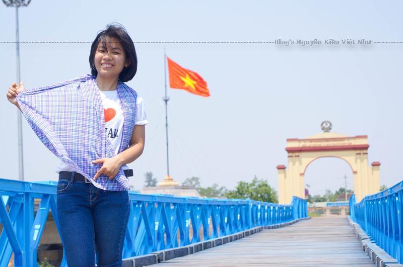 Quảng Trị là một tỉnh nằm ở dải đất miền Trung Việt Nam, nơi chuyển tiếp giữa hai miền địa lý Bắc - Nam.