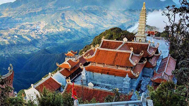 Hàng năm, Đền Hàng Phố tổ chức các ngày lễ hội một cách chu đáo mang đậm tín ngưỡng tôn giáo văn hóa dân gian Việt Nam. Ngày lễ chính của đền được tổ chức vào ngày 20 tháng 8 (âm lịch).