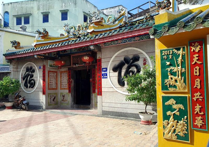 """Chùa được xây dựng theo kiến trúc hình chữ """"Phú"""""""" tượng trưng cho ấm no, phú quý."""