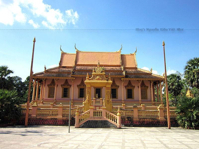 So với nhiều ngôi chùa Khmer khác trong tỉnh, chùa Kh'leang còn giữ lại những nét độc đáo của lối kiến trúc Khmer cổ, rất có giá trị về mặt nghệ thuật và tính thẩm mỹ.