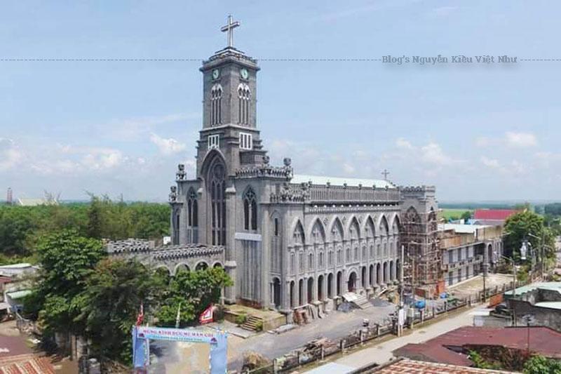 Sáu năm sau, 1970 Đức Cha Giuse Lê Văn Ấn nâng họ Đông Hải II lên thành Giáo xứ và lấy tên là Đông Vinh dưới sự coi sóc của Cha Đaminh Đặng Duy Hòa.