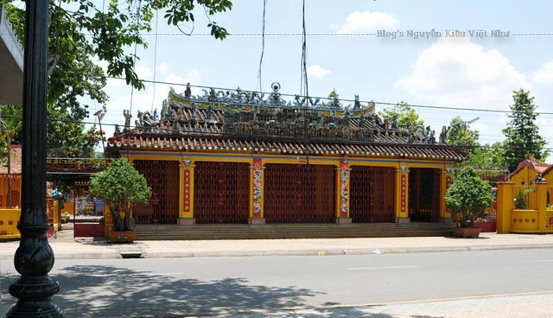 Ngày 23 tháng 10 năm 1720, Trấn Biên Đô đốc tướng quân Trần Thượng Xuyên mất. Để ghi nhớ công lao của ông trong công cuộc khai phá đất đai và mở mang thương mại vùng Đồng Nai - Gia Định, nhân dân trong vùng đã lập ngôi miếu nhỏ thờ ông trong khu vực thành cổ Biên Hòa.