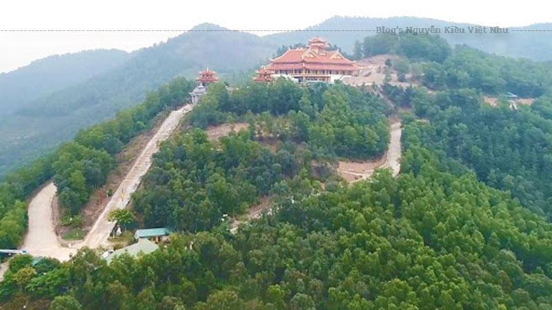 Trong quần thể các công trình kiến trúc của Thiền viện có rất nhiều nét đặc sắc, gắn kết được sự tôn nghiêm, đậm bản sắc văn hóa Phật giáo Việt Nam, hòa quyện với hồn thiêng của sông núi nơi đây.