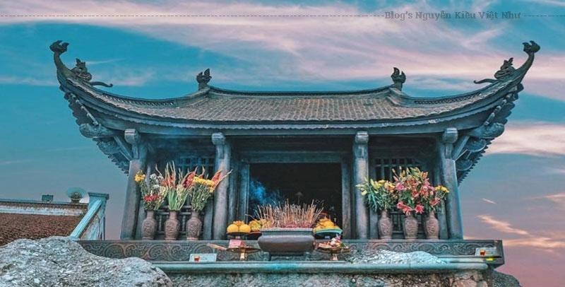 Tây Yên Tử là ngôi chùa lớn với kết cấu kiến trúc cực kỳ độc lạ. Tổng thể nó được chia thành 3 khu vực riêng biệt.