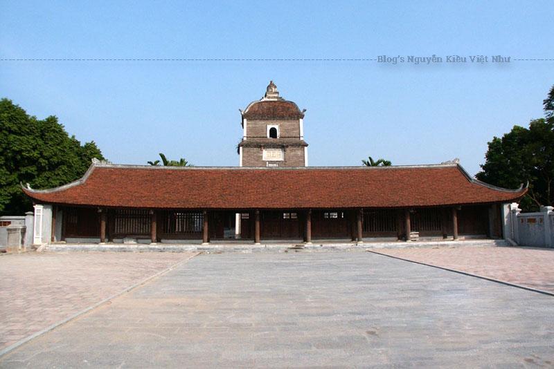 Chùa Đậu tại vùng Dâu đã bị phá hủy trong chiến tranh nên pho tượng Bà Đậu được thờ chung trong chùa Dâu.