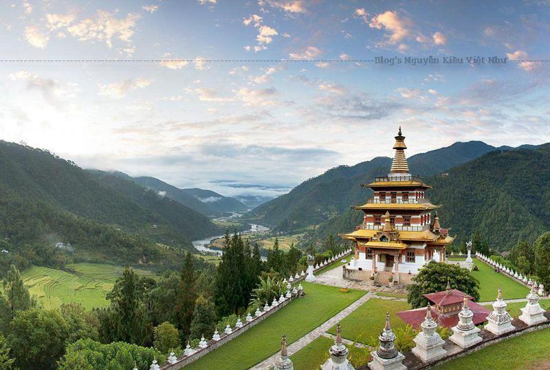 Tháp Khamsum Yulley Namgyal Chorten là công trình tiêu biểu của nền kiến trúc và truyền thống nghệ thuật của Bhutan.