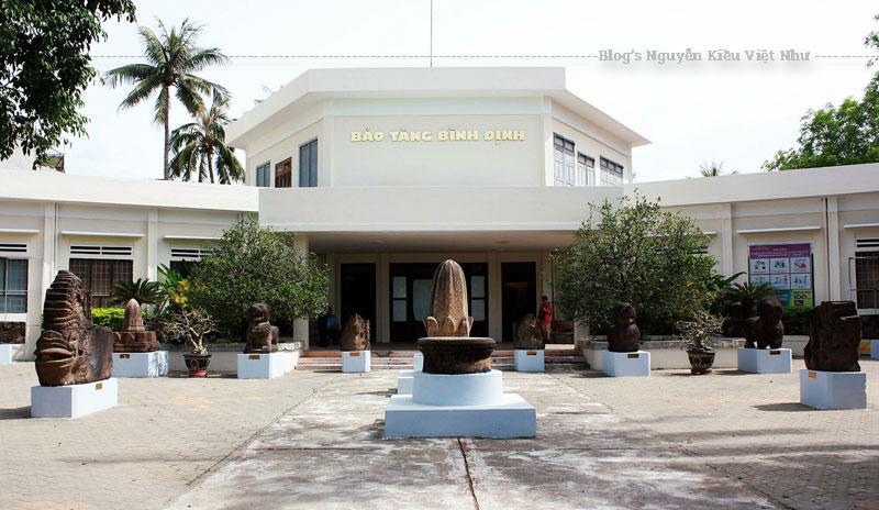 Bảo tàng được xây dựng từ năm 1980, với diện tích 3.960m2 được phân làm 3 khu chính: khu trưng bày có diện tích 2.000 m2, khối hành chính và khối lưu niệm.