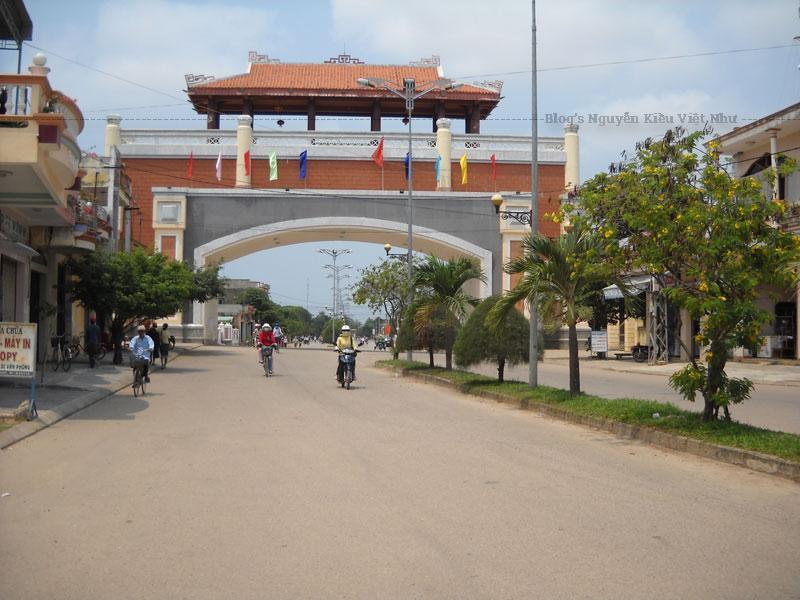 12 năm sau, tới năm 1814 vua Gia Long cho dời thủ phủ về hướng đông nam, cách vị trí thành Hoàng Đế khoảng 6km và cho xây thành Bình Định mới tại đây.