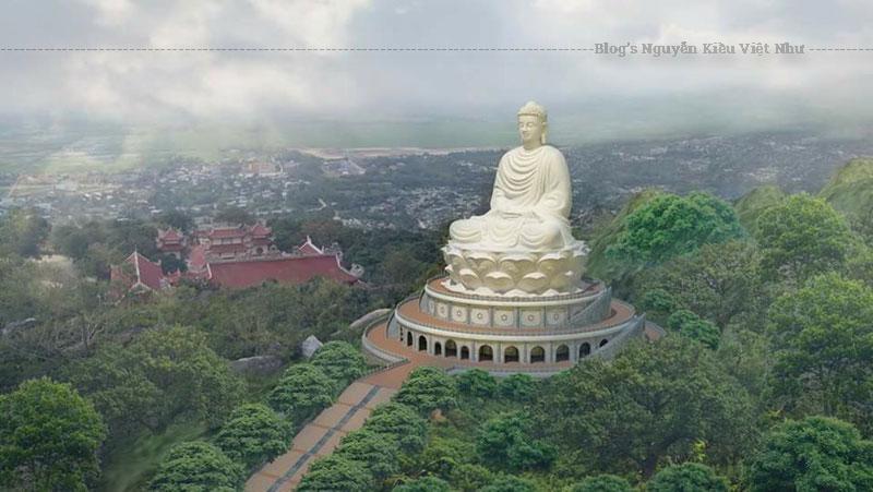 Từ phía trước Chánh điện chùa, đi về hướng tây có một cây cầu nhỏ dẫn lên các mộ Tháp và lên hang Tổ nằm trên núi phía sau chùa.