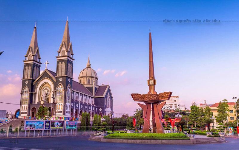 Được tu sửa và đưa vào hoạt đông từ năm 2014 cho đến nay, kiến trúc của nhà thờ chánh tòa Phú Cường dường như đã góp phần làm thay đổi bộ mặt trung tâm thành phố Thủ Dầu Một ngày một đẹp hơn.