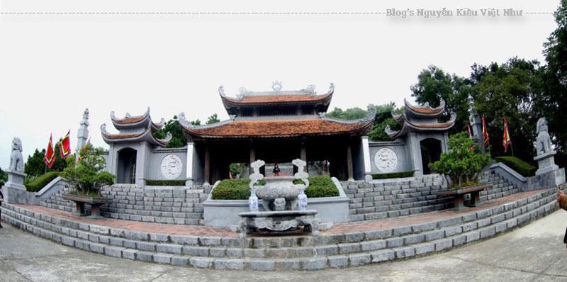 Tại Quần thể di tích An Phụ còn có chùa Tường Vân cổ kính, tục gọi là Chùa Cao, được xây dựng vào thế kỷ thứ XIII, dưới triều Trần. Trước chùa có 2 cây đại trên 700 năm tuổi như một nhân chứng lịch sử chứng kiến những biến thiên trên đỉnh núi này.